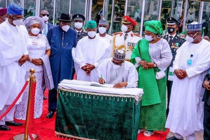 President Muhammadu Buhari, Nigerians, Blast, Speech Writers, Embarrass the President, Independence Day, Saudi Arabia, Petrol Price