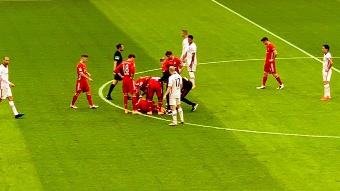 Bayern Munich, Alphonso Davie, Badly Injured, Eintracht Frankfurt